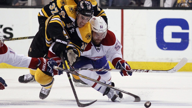 Reilly Smith fighting with David Desharnais